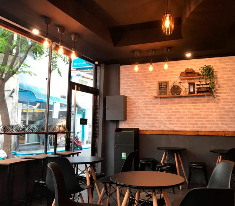 a hip restaurant